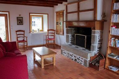 Grote Tafel Met 6 Stoelen.Foto S Vakantiehuis In Normandie Voor 6 Personen Met 3 Slaapkamers